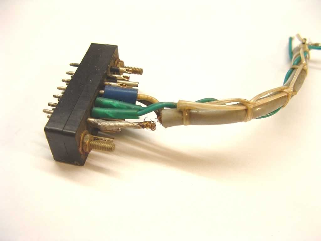 Broken photo sensor amplifier cable, click image for a larger version